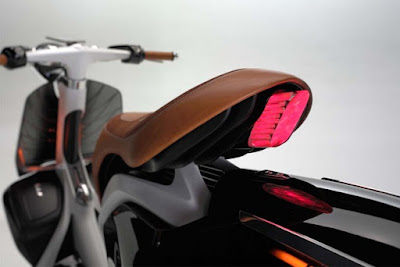 Yamaha 04Gen Concept Scooter taillight