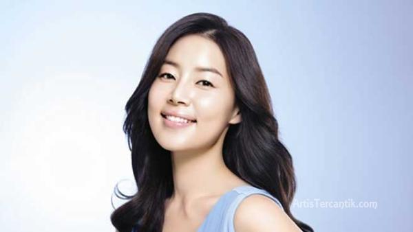 Model Korea Selatan Tercantik Han Ji Hye