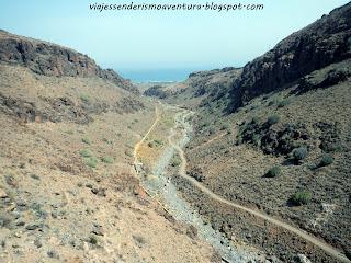 Vista desde la cima de la pista de acceso y retorno a las vías ferratas del barranco del Berriel