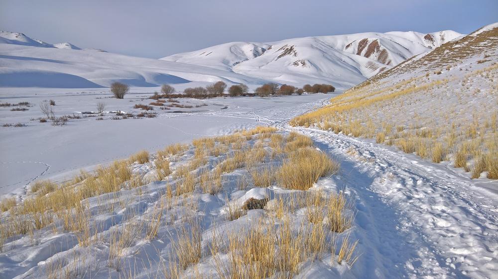78b0b1022f Mire eszembe jutott, hogy snowboardozni hidegben szoktak, már megvoltak a  repjegyek, és mivel Kirgizisztán rohadt messze van az összes tengertől, ...