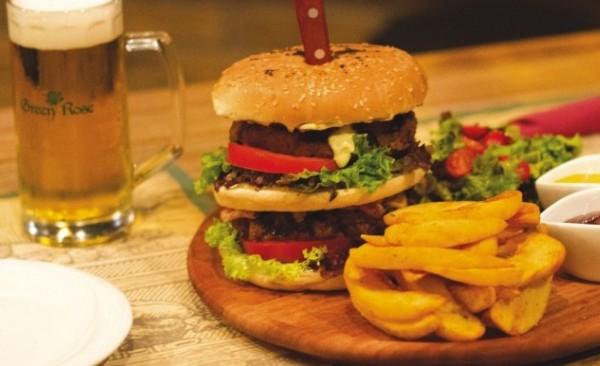 Πώς να μην χαλάσετε τη δίαιτά σας το Σαββατοκύριακο