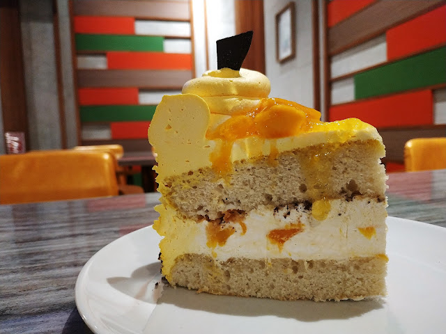 Nord's Bread Hub Mango Sensation Cake