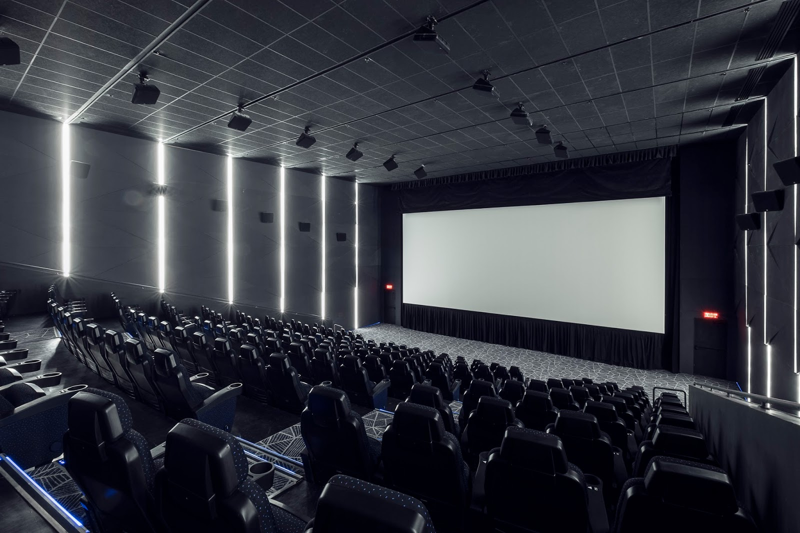 Vista Posture Chair Discount Pub Table Chairs At Iba Pang Pangyayari Cinemas Opens First And Only