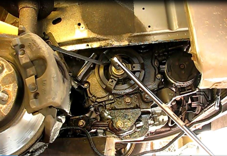 Remove Bolt on 2003 Saturn Vue Throttle Position Sensor