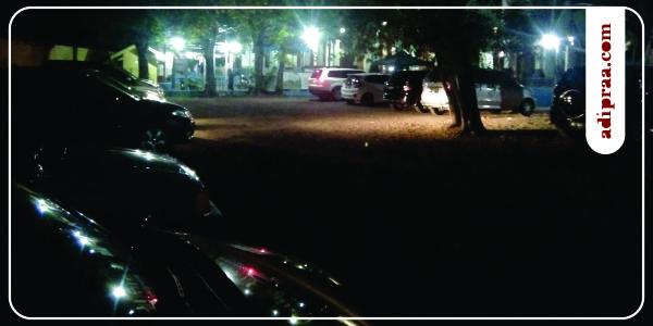 Area Parkir Kendaraan Roda Empat Masjid Agung Manunggal Bantul | adipraa.com