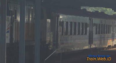 Gambar Kereta Api Lodaya