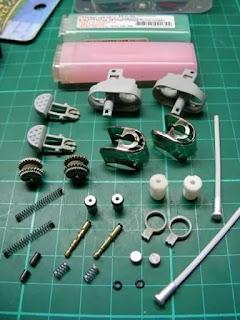 Miniatur Motor dari barang bekas