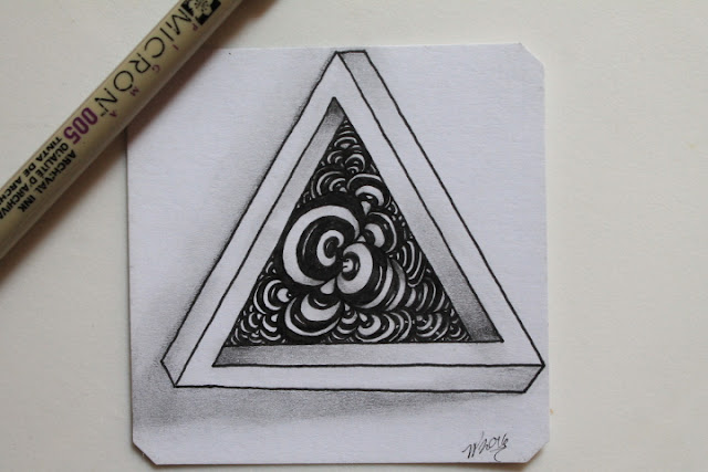 op art zentangle triangle with bunzo