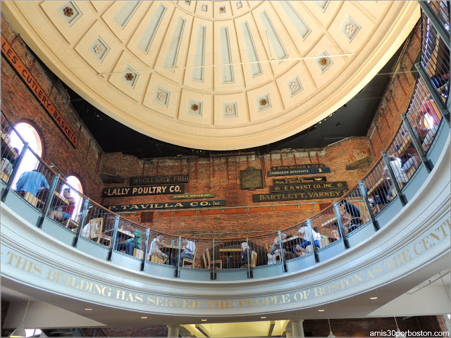 Interior del Quincy Market en Boston