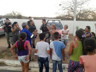 Moradores do Distrito de Seridó  fazem protesto pela falta d`água