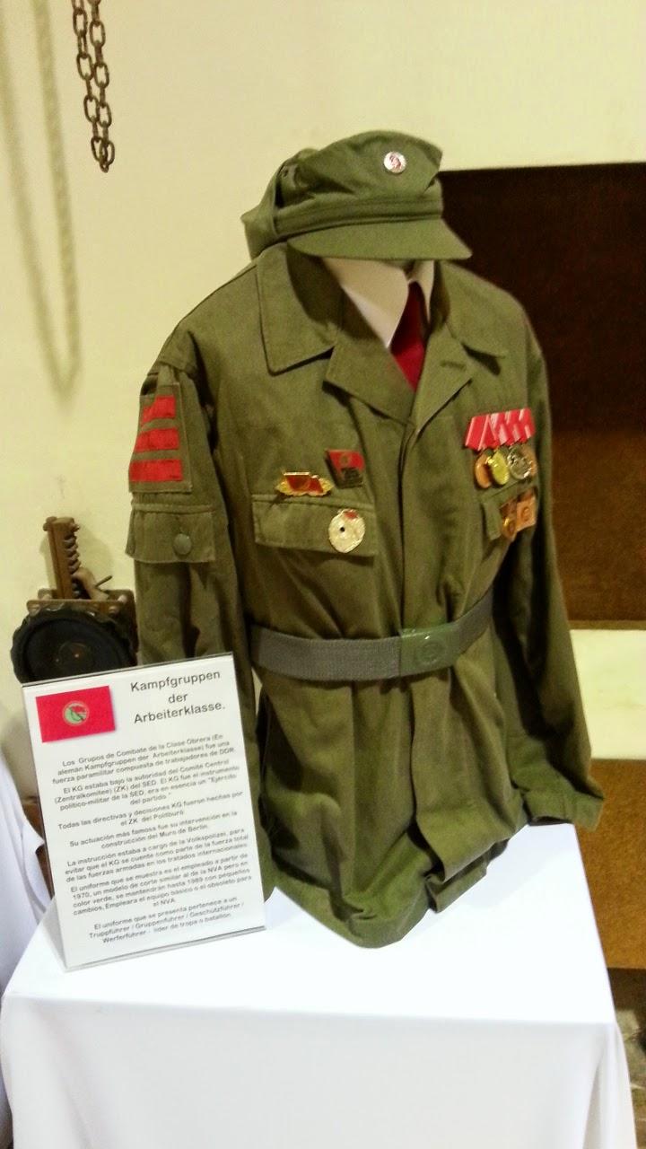 N.V.A. - D.D.R.: 1ª exposición de uniformes del NVA y MdI en España ...