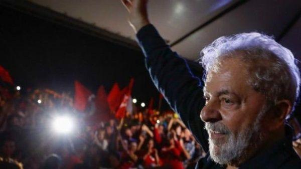 Lula recibe premio de DD.HH. por obreros de EE.UU. y Canadá