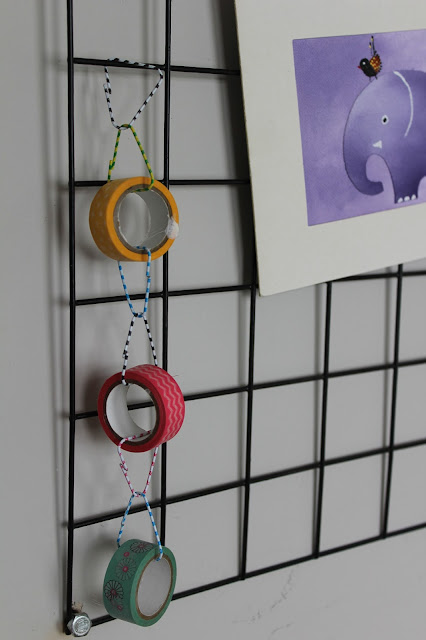 Hanging Tape on Memo Board