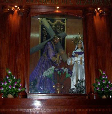 imagen de jesucristo con la cruz a cuestas