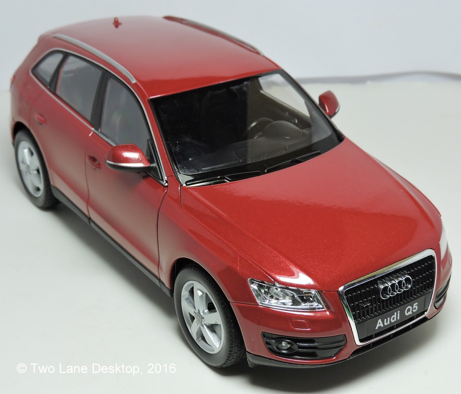 Two Lane Desktop: Welly 1:24 Audi's Part Two: Audi Q5 SUV
