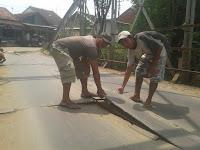 Warga Swadaya Perbaiki Jembatan Kali Rambatan