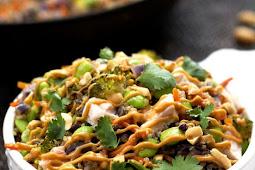 Easy One Pot Thai Quinoa Bowl with Chicken
