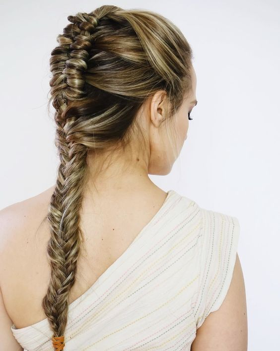 Stunning Wedding Hairstyle Inspired by Wonder Woman