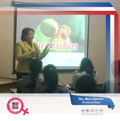 Vicealcaldesa María Guerrero continúa ciclo de charlas en diferentes escuelas de La Romana