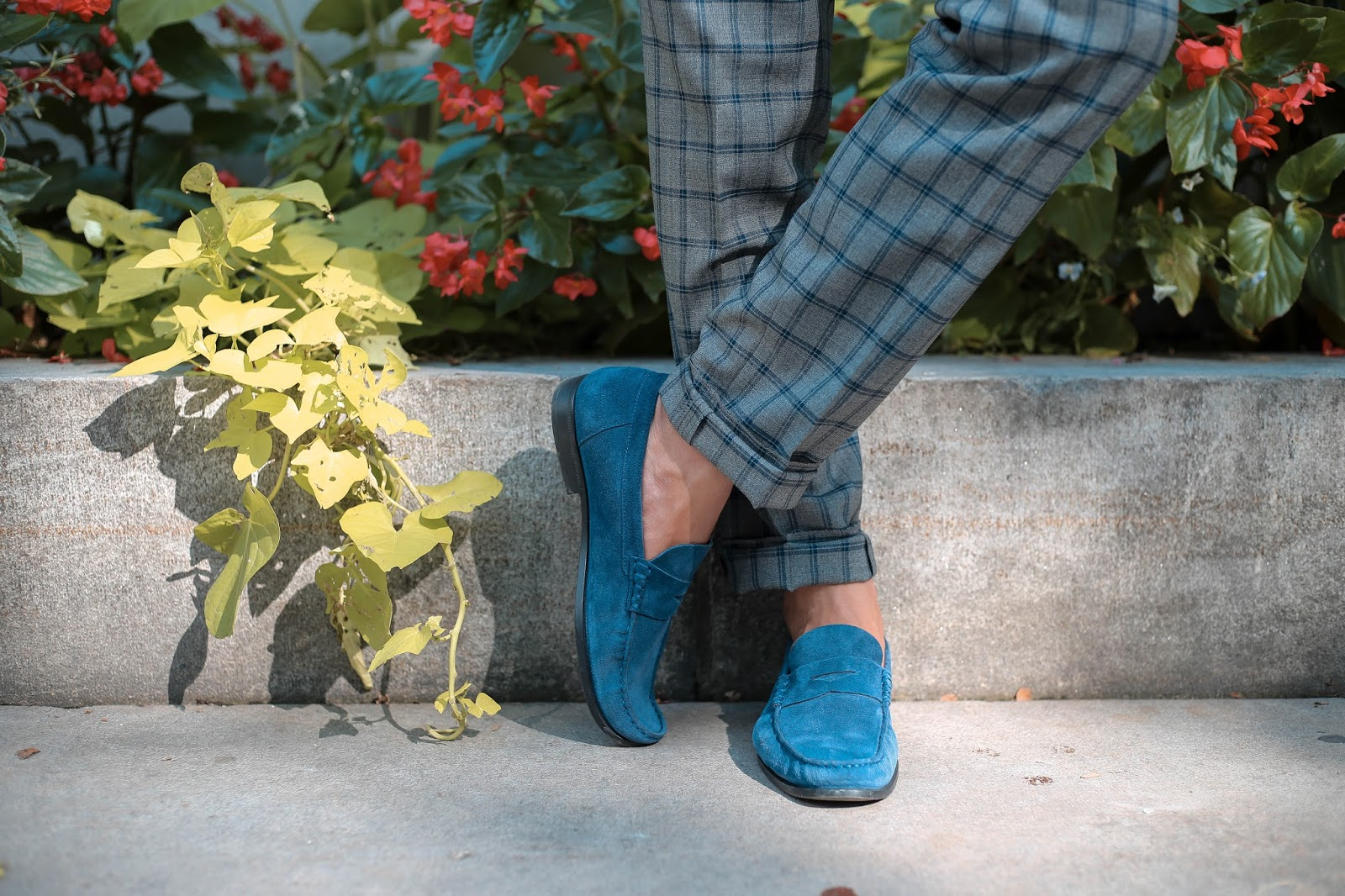 Men's Summer Style, How to Wear Pattern Suit, Suede Loafers, Menswear Levitate Style, Leo Chan