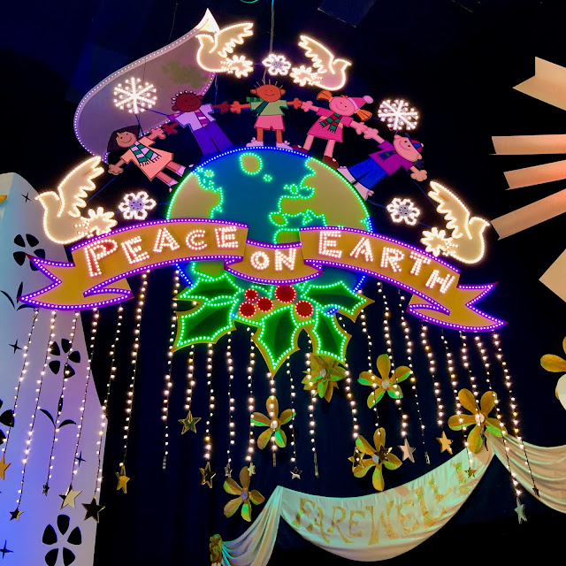 Disneyland Holidays, Christmas, holiday season, Disneyland, top Disneyland holiday ideas, It's A Small World Holiday