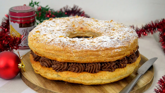 Roscón de Reyes de hojaldre relleno de chocolate