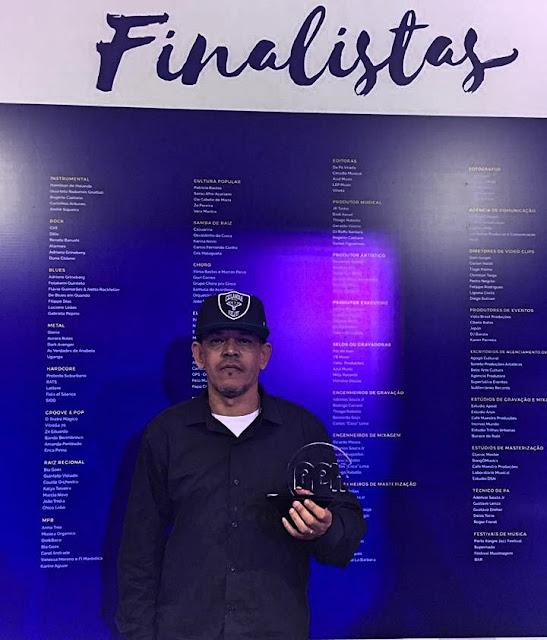 O rapper Japão do Viela 17 recebe Prêmio Profissionais da Musica 2017.