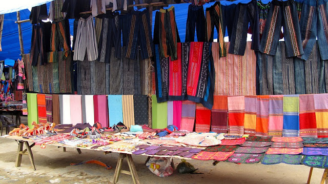 What special things happen at the Bac Ha highland market, Sapa? 2