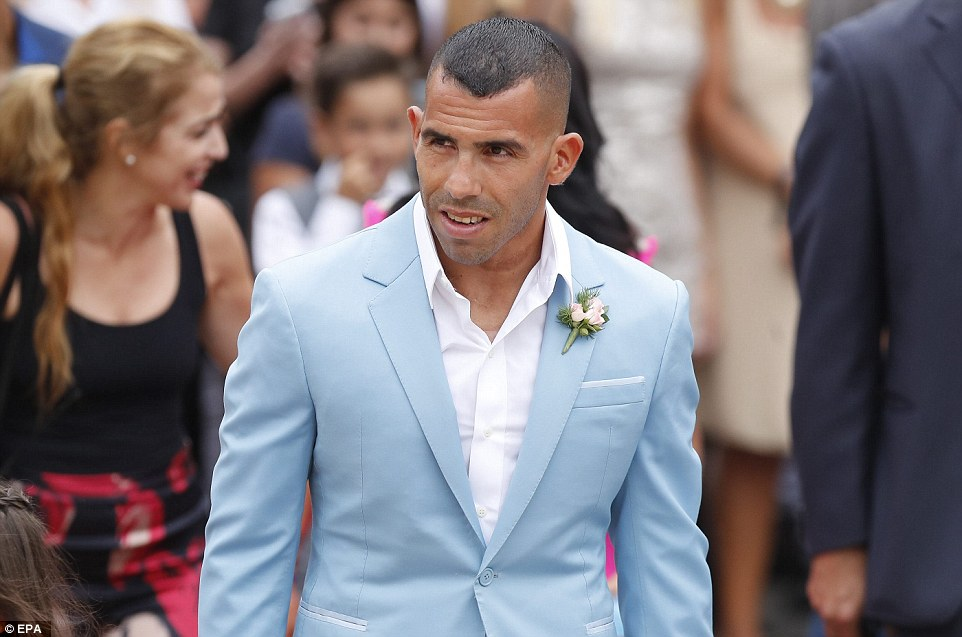 Former Man City Striker Carlos Tevez Marries Her Childhood Heartrub Venesa - Photos 3B943D6100000578-4059244-Smart_The_outgoing_Boca_Juniors_striker_32_looked_dapper_in_a_po-a-5_1482427458659