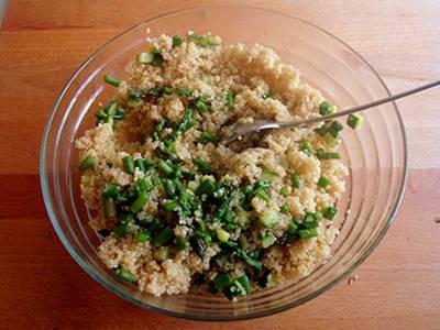 Insalata di quinoa con asparagi e zucchine 4