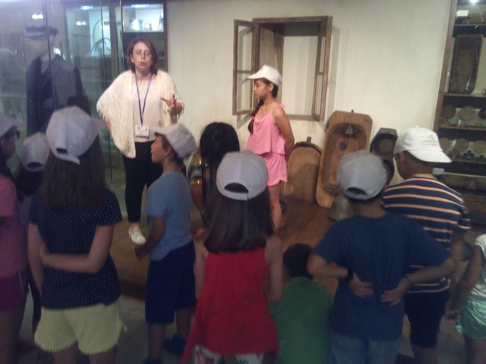 Οι ''Θαλασσοπόροι'' της Κατασκήνωσης πάνε στο Λαογραφικό Μουσείο Λάρισας