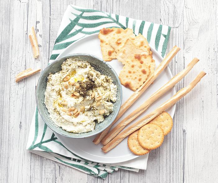 Feta-Dip Rezept mit Pesto