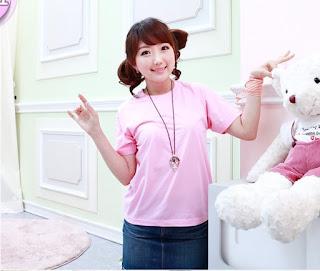 áo phông màu hồng phấn