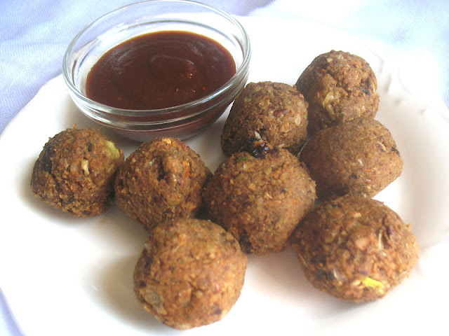 Kidney Bean and Rice Balls with Sun-Dried Tomatoes and Walnuts