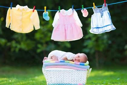 Tips Aman Mencuci Baju Bayi Menggunakan Deterjen