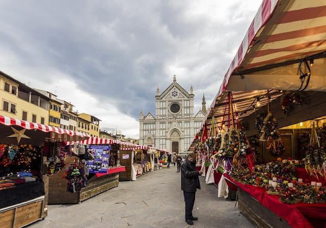Mercado de Natal na Piazza Santa Croce