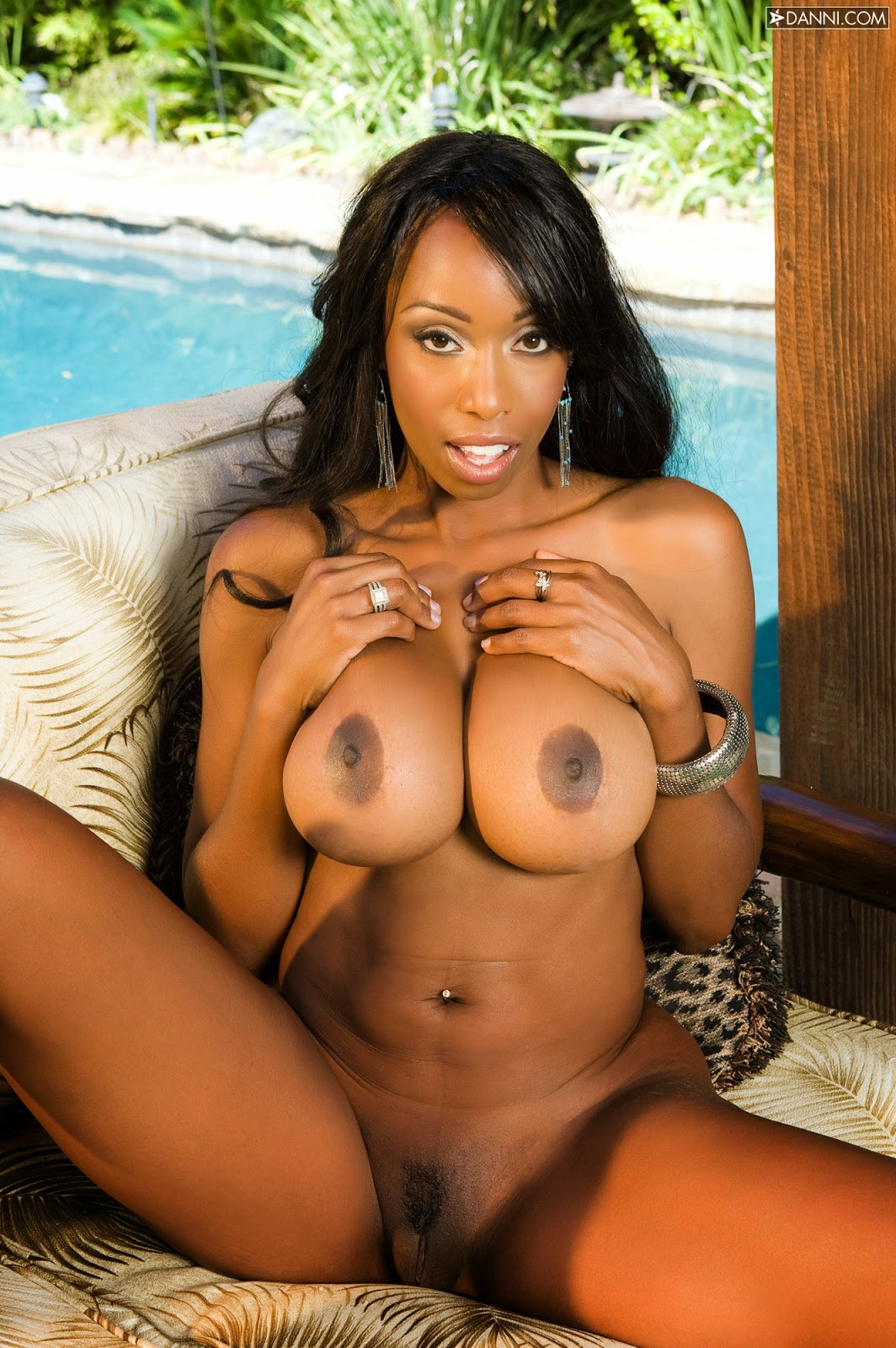 Hot ebony nude