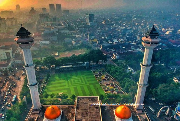 Wisata Religi Masjid Raya Bandung, Masjid Termegah Dan Terbesar Di Kota Bandung