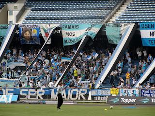 O 2 a 1 aplicado pelo Universidad Católica na casa tricolor não abalou a  confiança da torcida gremista cfdff429d083e