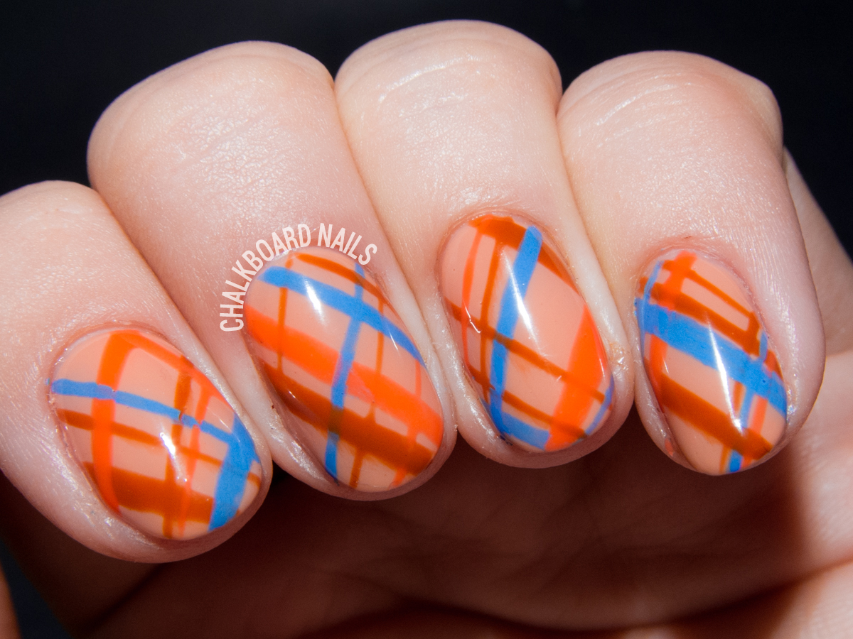 Autumnal plaid nail art by @chalkboardnails