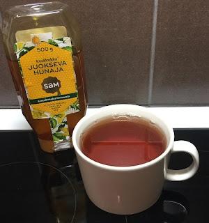 tee, hunaja, yrtti, flunssan karkotus