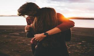 Φαντάσου να σε αγαπήσει ένας άνθρωπος που θα γαληνέψει μέσα σου όλους τους φόβους.