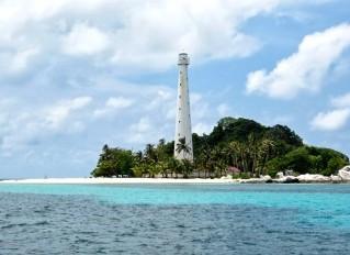 http://www.teluklove.com/2017/04/destinasti-objek-wisata-pulau-edam-di.html