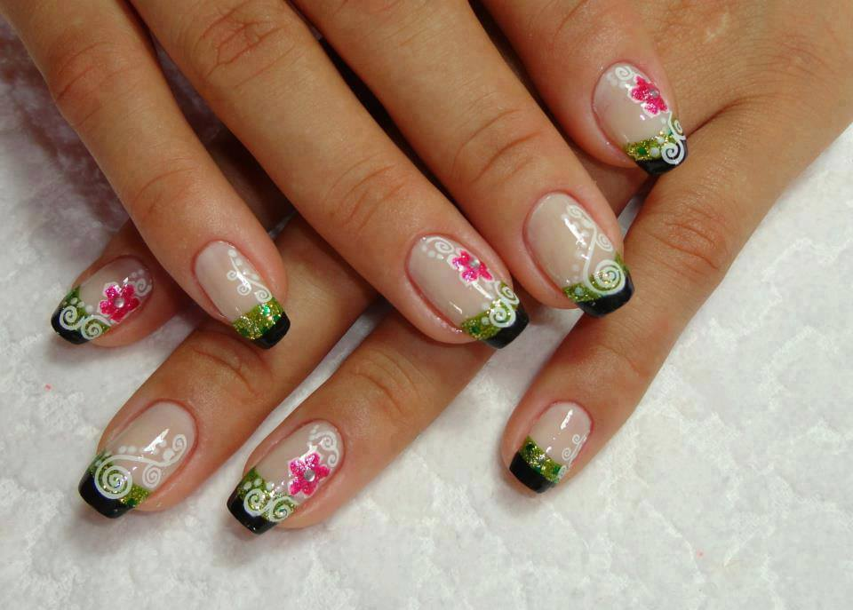 15 Easy Flower Nail Art Designs | trends4everyone