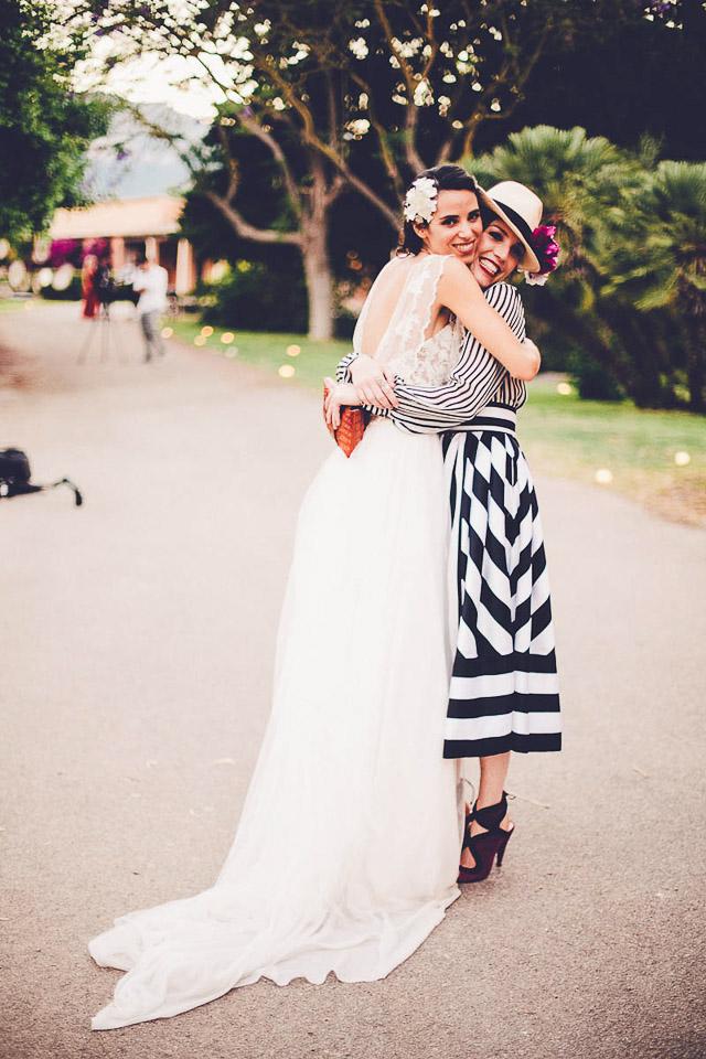 Resultado de imagen de vestidos rayas verticales boda