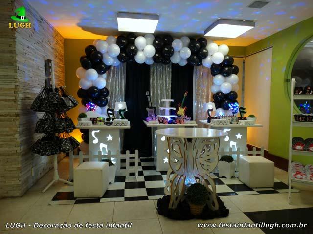 Decoração de festa tema Discoteca para aniversário de adolescentes e adultos