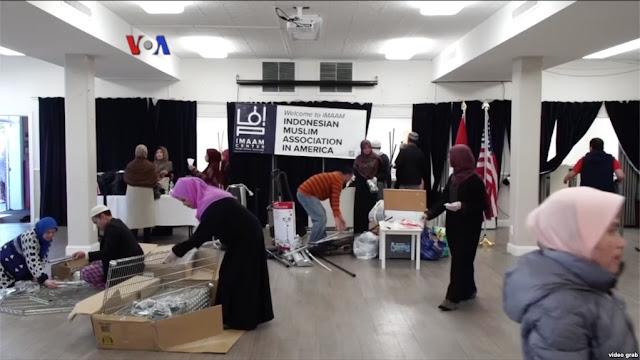 Sambut Ramadhan, Diaspora Indonesia Kerja Bakti Bersihkan Masjid IMAAM Center