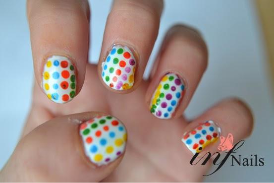 http://infnails.blogspot.nl/2014/03/polka-dots-nailart.html