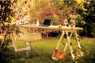 Inspirasi konsep Meja Kantor anti mainstream Untuk Kamu Yang Butuh Ide Segar