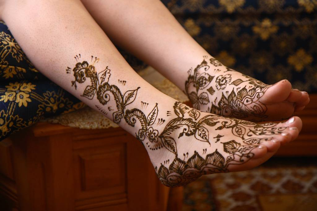 Temporary Henna Tattoos-Tattoos On Foot For Women ~ Tattoo ...